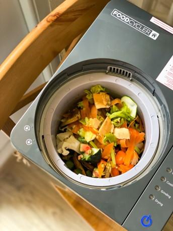 Foodcycler s odpadom